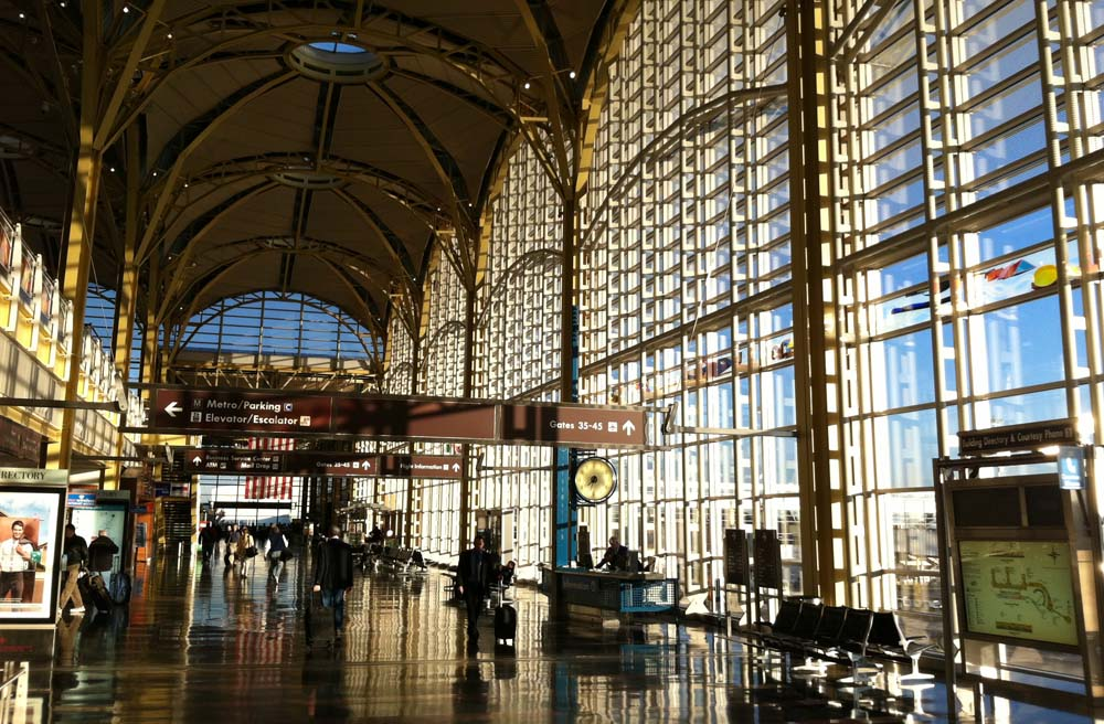 Airport funding should not pick travelers' pockets