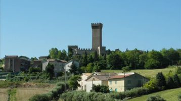Sunday musings: Free castles in Italy, Google tips for travel, Elvis' plane