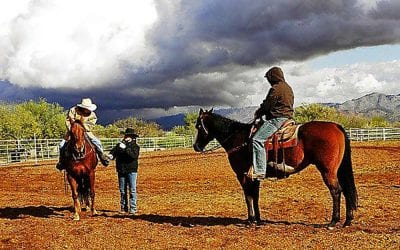 Learning about ridin' and ropin' at the Arizona Cowboy College