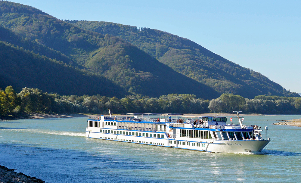 Can European river cruise lines increase tourism with vaccinations?