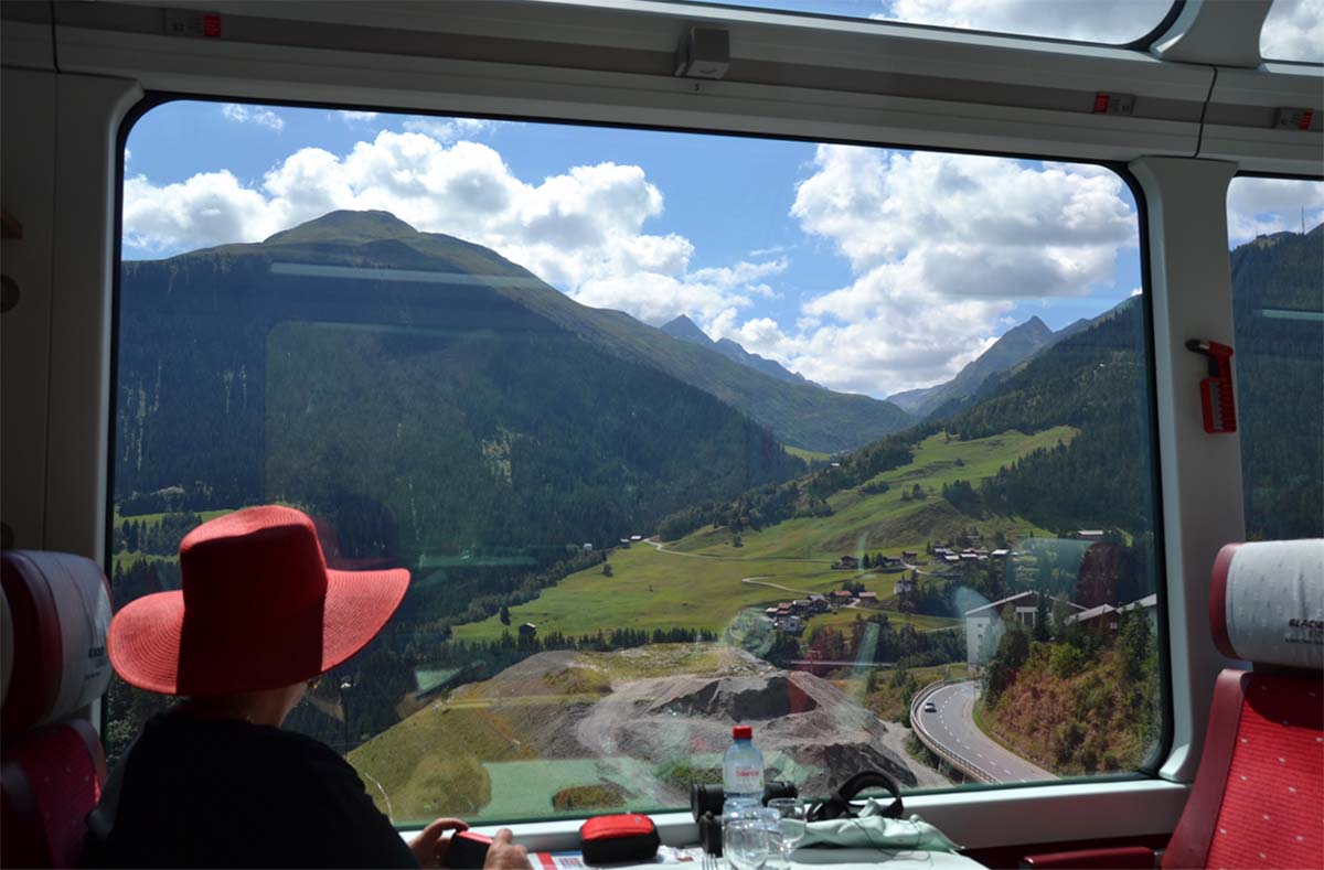 10 tips for discovering Switzerland's best by train